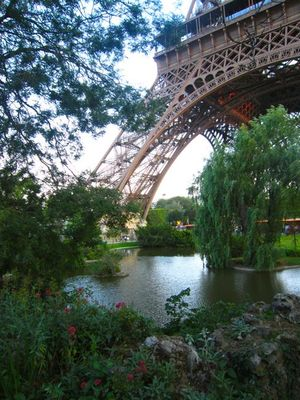 Eiffel pond